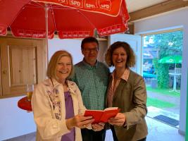 Neues Mitglied Uta Freiwald-Wallgrün mit Peter Kroschwald und Gertrud Eichinger